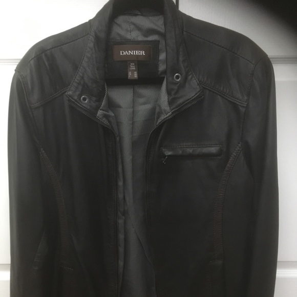 Danier Other - Danier Mens Leather jacket great condition